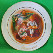 "Holiday Sale!  1983 Avon Christmas Plate ""Enjoying The Night Before Christmas"" - $2.95"