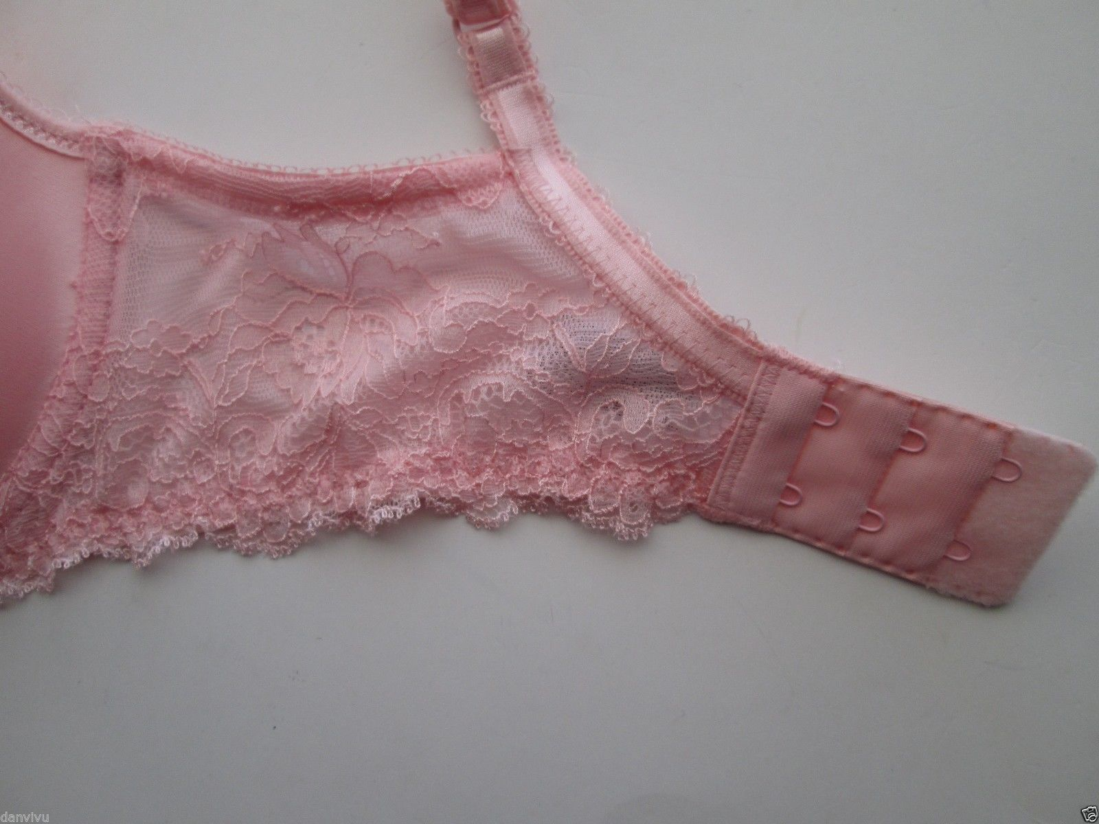 8f77be37ed Wacoal 853255 Seduction Contour T-Shirt Underwire Bra Misty Rose 32D MSRP   60