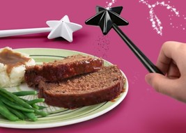 Fred Friends SALTMAGIC Wand Salt and Pepper Shakers h500 l825 w150 w0.18... - $21.77