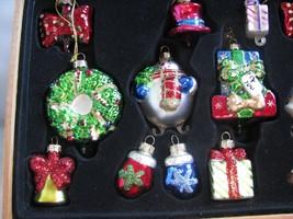 17PC Thomas Pacconi Classic Ornament Set Stacking Snowman Crescent Santa - $49.45