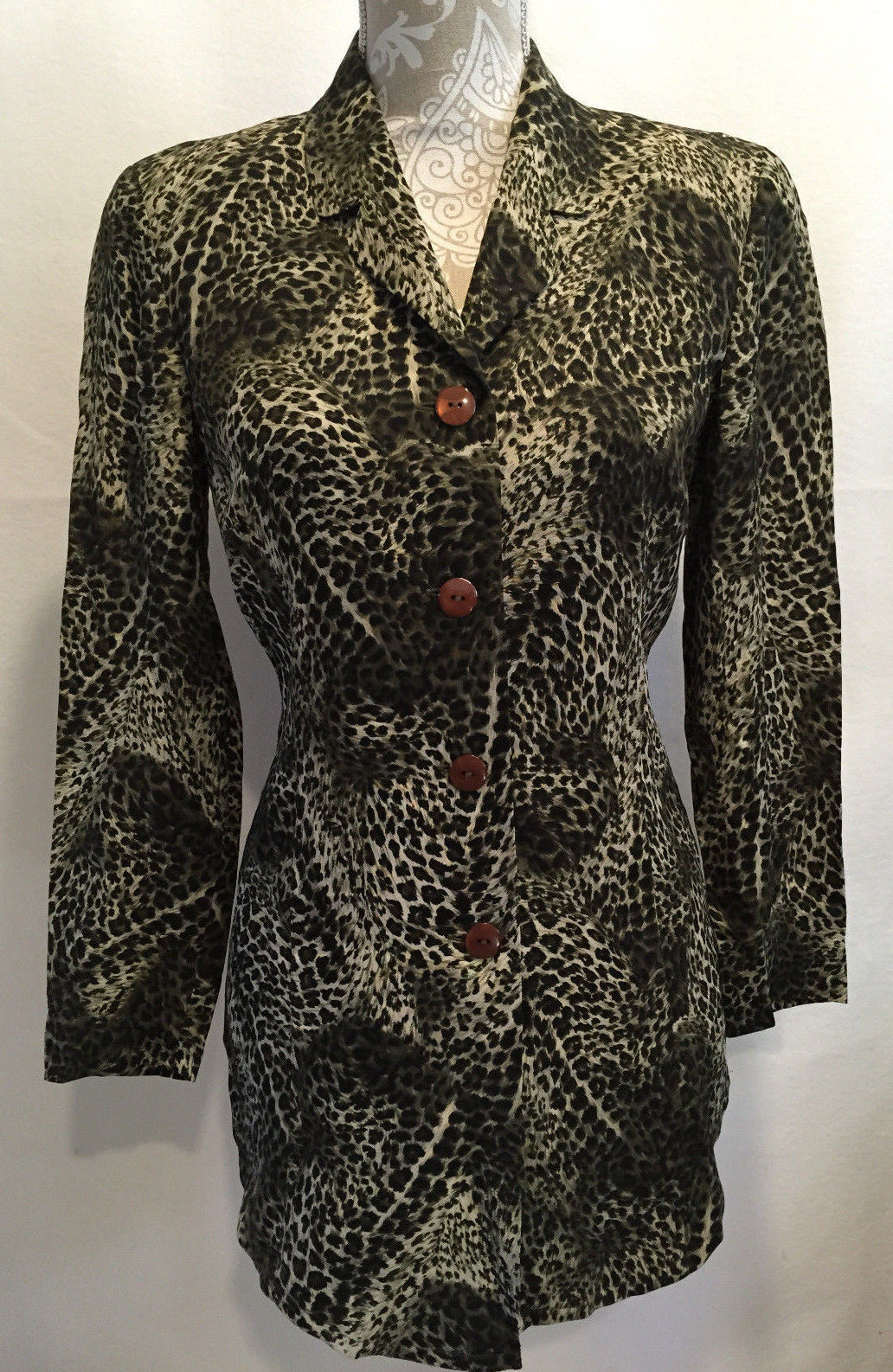 Primary image for Dana Buchman Career Casual Animal Print Button Front Blouse Shirt Top Size 2