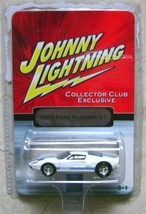 Johnny Lightning Ford Mustang GT 2005 1/64 Diecast Metal - $9.00
