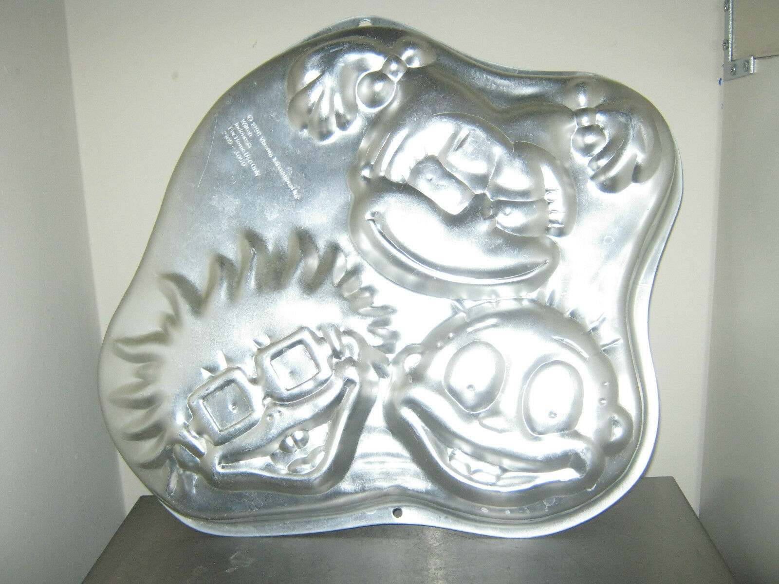 Primary image for Wilton Rugrats Cake Pan (2105-3050, 1998) Tommy Chuckie Angelica
