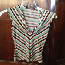 women's beautiful condition striped sleeveless top by XXI size extra small blue  - $19.99