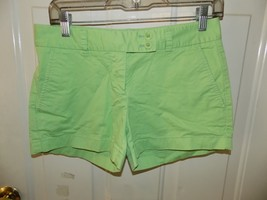 VINEYARD VINES Green Shorts Button Size 2 Women's EUC - $24.30