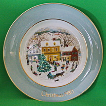 1980 Enoch Wedgwood (England) Country Christmas Collector Plate - $3.95