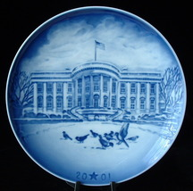 Plate 1999 Bing and Grondahl Christmas Eve At Mt Rushmore Christmas Blue White - $14.00