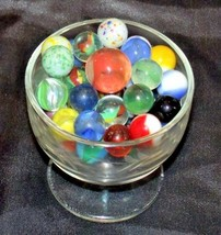 Marbles in a Custard Dish with 1 Shooter AA18 - 1174-B   50 Vintage