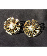 Sarah Coventry clip earrings gold tone flower with rhinestone centers 1 ... - $4.90