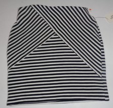 Forever 21 Mini Skirt Navy & Cream Cross Stripes NWT SZ SMALL - $15.99