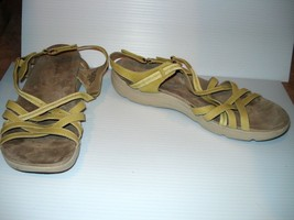 EASY SPIRIT SAVASANA, Green Leather Sandals, Ankle Strap, size 10.5 M - $12.37
