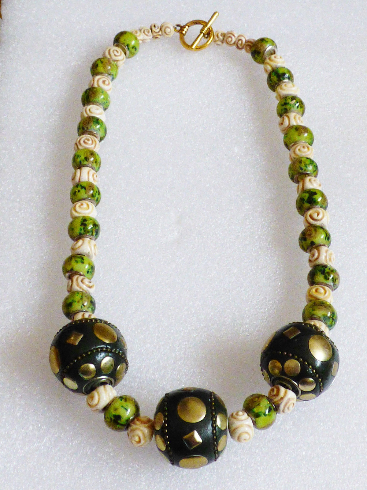 "Primary image for Green glass & cream rose beaded 3 large ball toggle clasp fashion necklace 21""L"