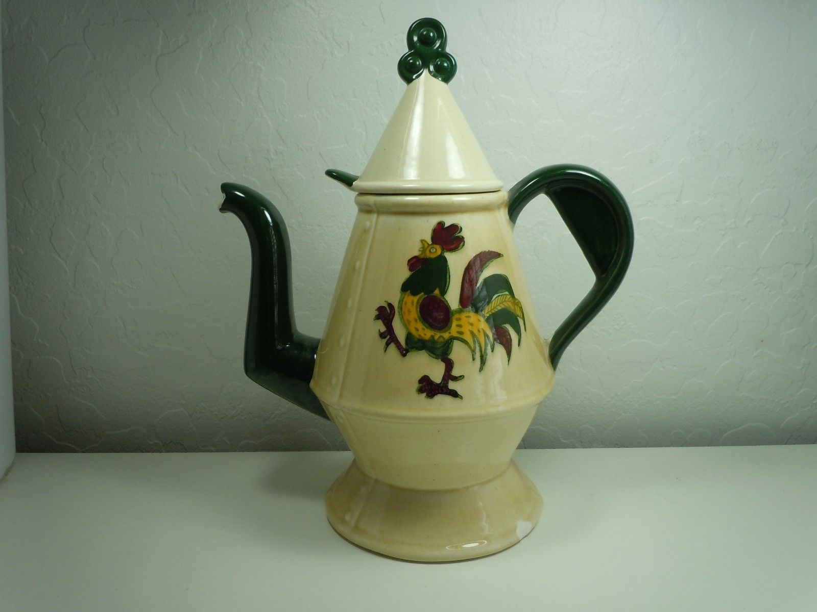 Metlox Poppytail California Provincial coffee Pot and Lid Damaged