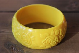 Vintage Yellow Flower Bangle Bracelet - $24.74