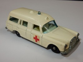 Lesney Matchbox Series No. 3 Mercedes Benz 'Binz' Ambulance ~ Made in En... - $16.99