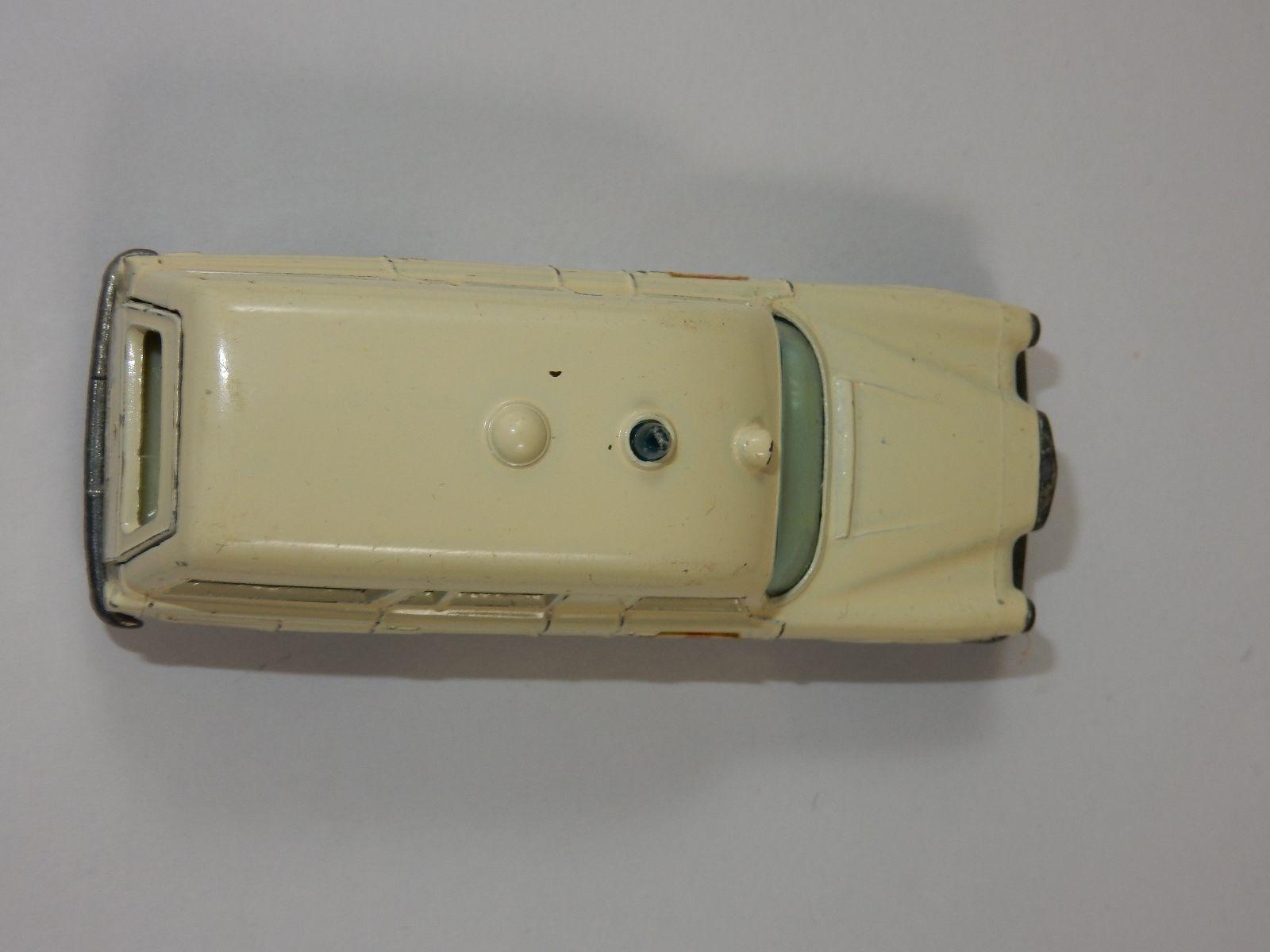Lesney Matchbox Series No. 3 Mercedes Benz 'Binz' Ambulance ~ Made in England
