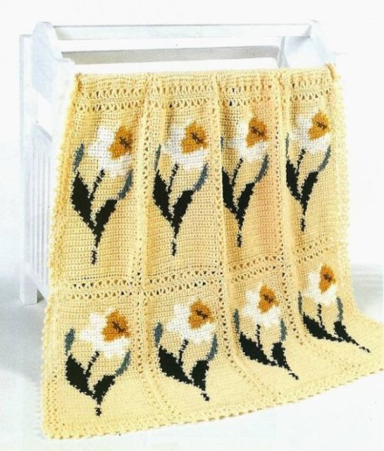 X041 Crochet PATTERN ONLY Delightful Daffodil Flower Afghan Pattern - $7.50