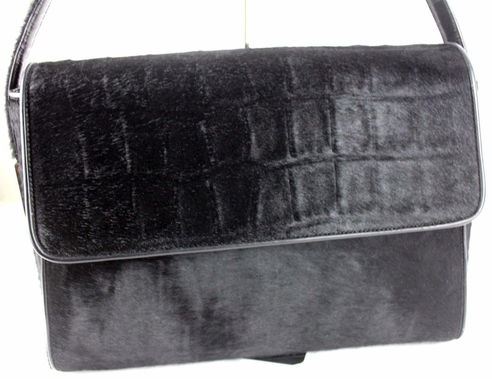 50b5fe2b5417 100% Authentic GUCCI Shoulder Bag Black and 50 similar items. S l1600