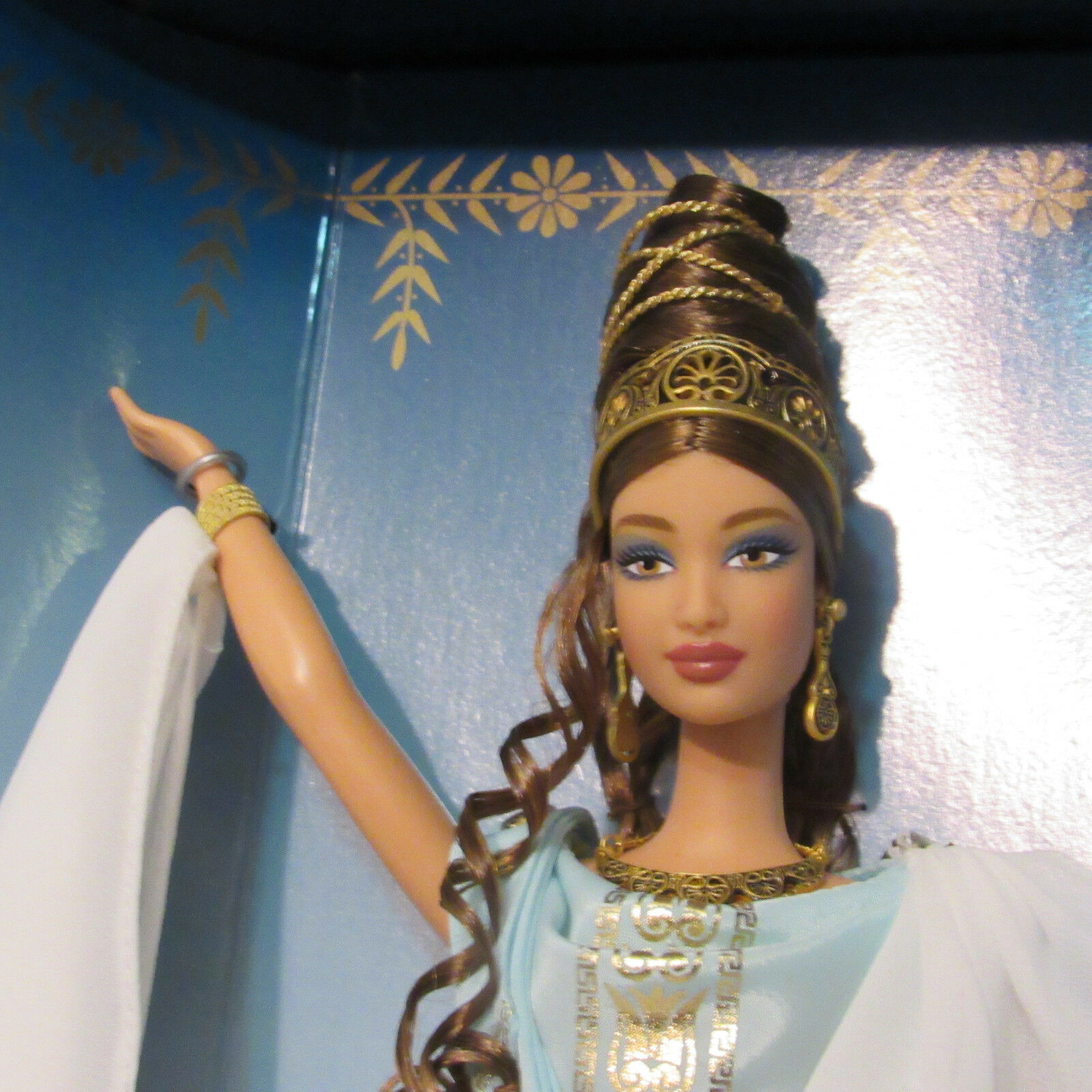 VHTF NRFB Goddess of Beauty Barbie Doll Classical Greek LTD ED 2000 image 3