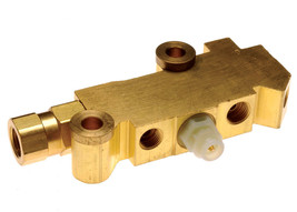 Universal GM Brass Proportioning Valve for Drum/Drum Applications Cars or Trucks image 1