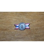 WWII VINTAGE CORO US ARMY NAVY E SERVICE AWARD HOME FRONT BADGE - $4.94