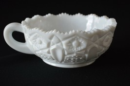 L E Smith/McKee Quintec MIlk Glass Nappy #317 - $9.90