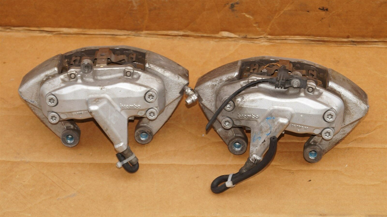 06 Mercedes C55 AMG Brembo Front Brake Caliper Set LH & RH