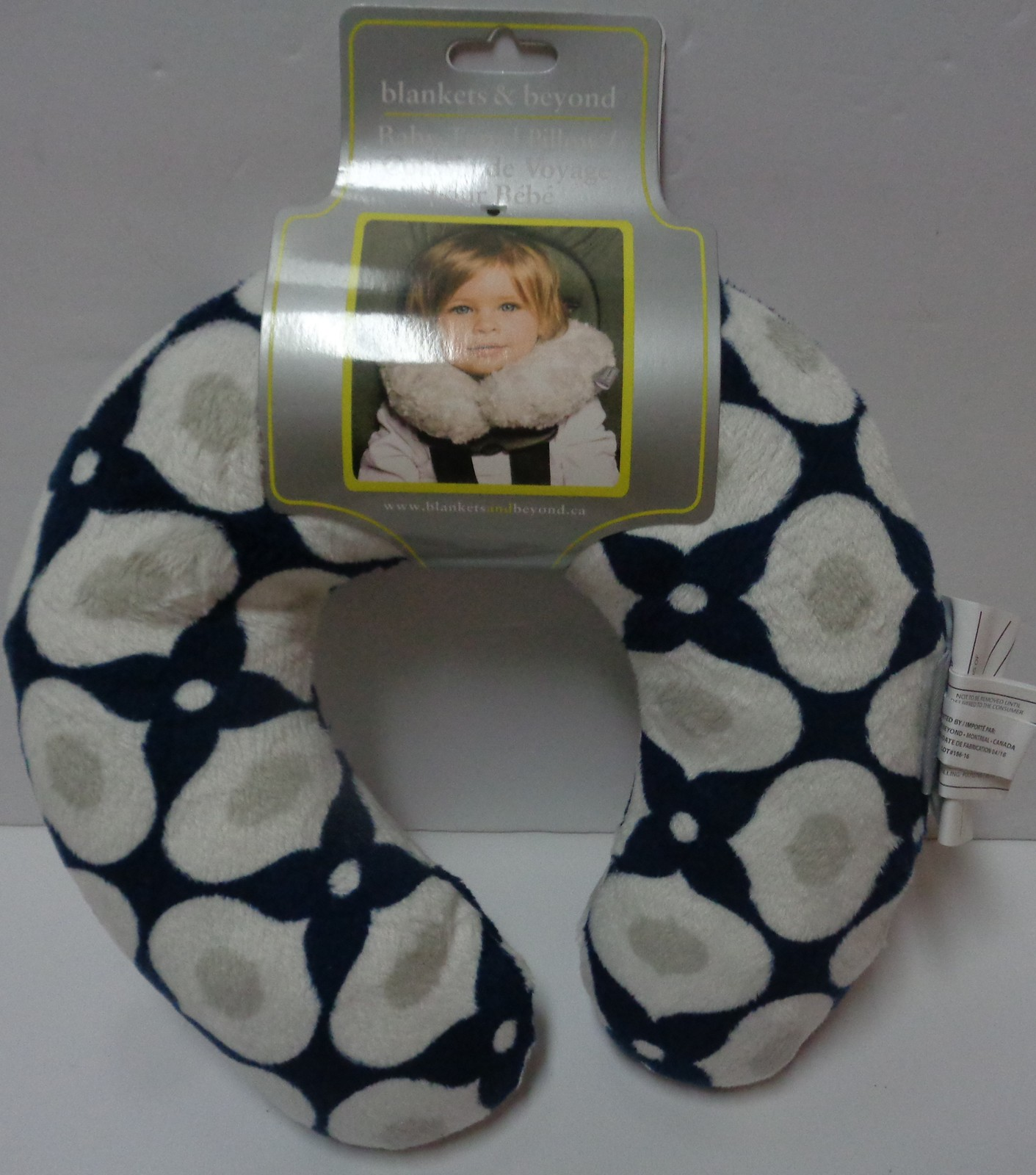 Child Neck Travel Pillow NWT Free Shipping Multi-color Geometrical