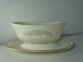 Lenox Chesapeake Gravy Boat with Attached Underplate - $185.12