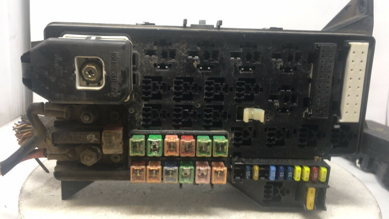 2001 Dodge Ram 1500 Fusebox Fuse Box Relay Module P56045427ae 24569   Controls