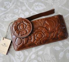 Patricia Nash Tooled Leather Bundle Wristlet & Mirror Set