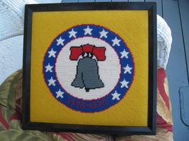 1776 Bicentennial USA Liberty Bell 1976 Kreuzstich Nadelspitze Kissen Au... - $39.59