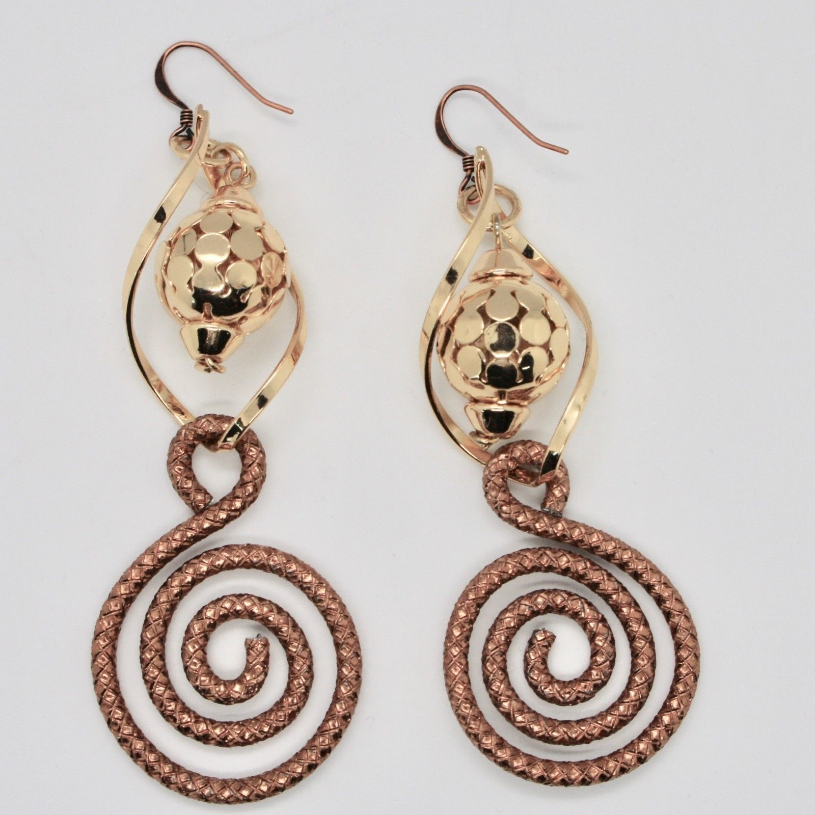DROP EARRINGS ALUMINUM BURNISHED WITH SPIRAL AND LAMINATED YELLOW GOLD