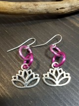 UNIQUE SMALL SHADES OF PINK SIMPLE LINKS/SILVER LOTUS CHARM EARRINGS! - $3.00