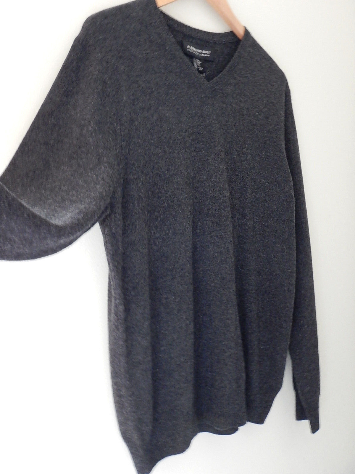 NWT Harrison Davis 100% Cashmere Men's Gray V Neck Sweater M $245