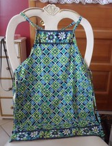 Vera Bradley Little girl's apron in Daisy Daisy pattern - $14.00