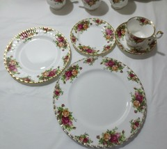 Royal Albert Old Country Roses 1962 Pattern England chose of sets - $100.00+