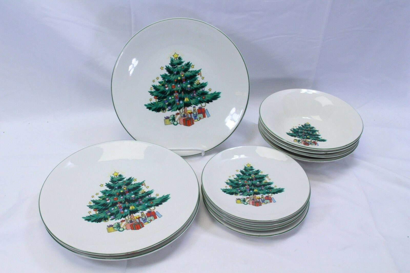 Primary image for GEI Xmas Tree 3 Dinner Plates 4 Salad Plates 4 Bowls