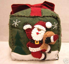 "Christmas Santa Claus Throw Pillow Applique Felt Green 8"" Square Jolly - $10.84"