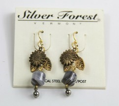 ESTATE VINTAGE Jewelry NOS ON CARD SILVER FOREST VT ART GLASS & FLOWER E... - $10.00
