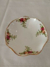 Royal Albert Old Country Roses 5in Footed Dessert Dish w Ruffled Edge Boxed XLNT - $26.13