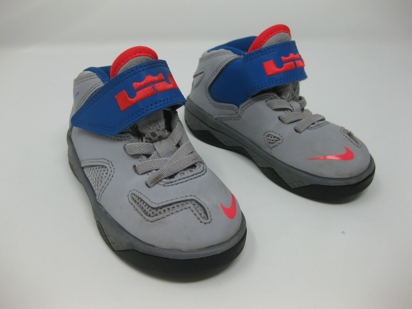 Boys NIKE LEBRON JAMES VII SOLDIER Gray Blue & Red Sneakers Size 7C