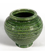 Vintage Hull Pottery Green Vase Ribbed Beehive - $18.00