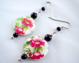 Womens Round Flower Earrings Pink White Black and Green - $12.00