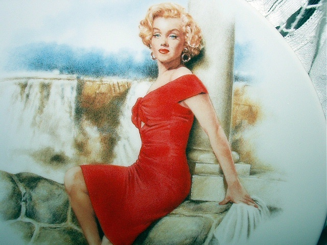MARILYN MONROE-6TH ISSUE BRADFORD PLATE-NIAGARA
