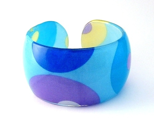 Bangle bracelet lucite blue aqua circular geometric