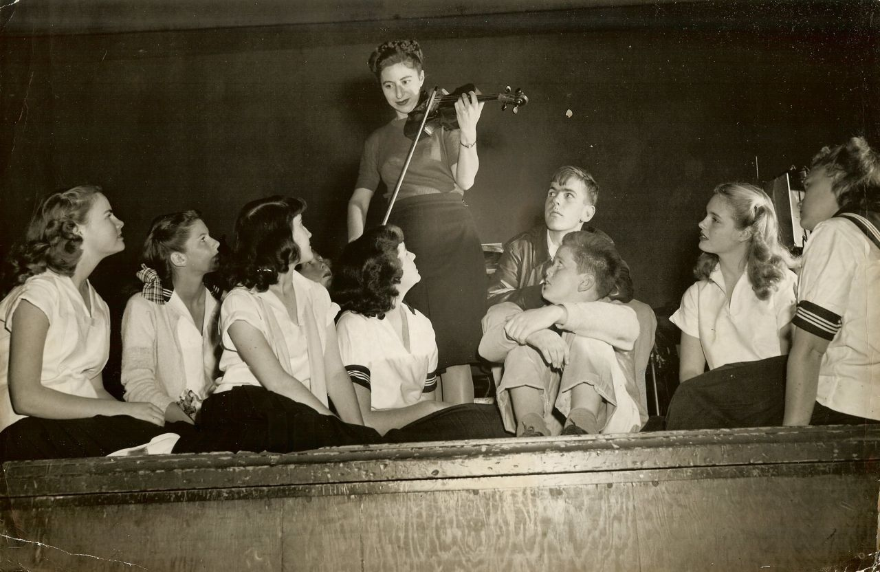 SF CA Violinist Mafalda Guaraldi Kids c.1947 Photograph
