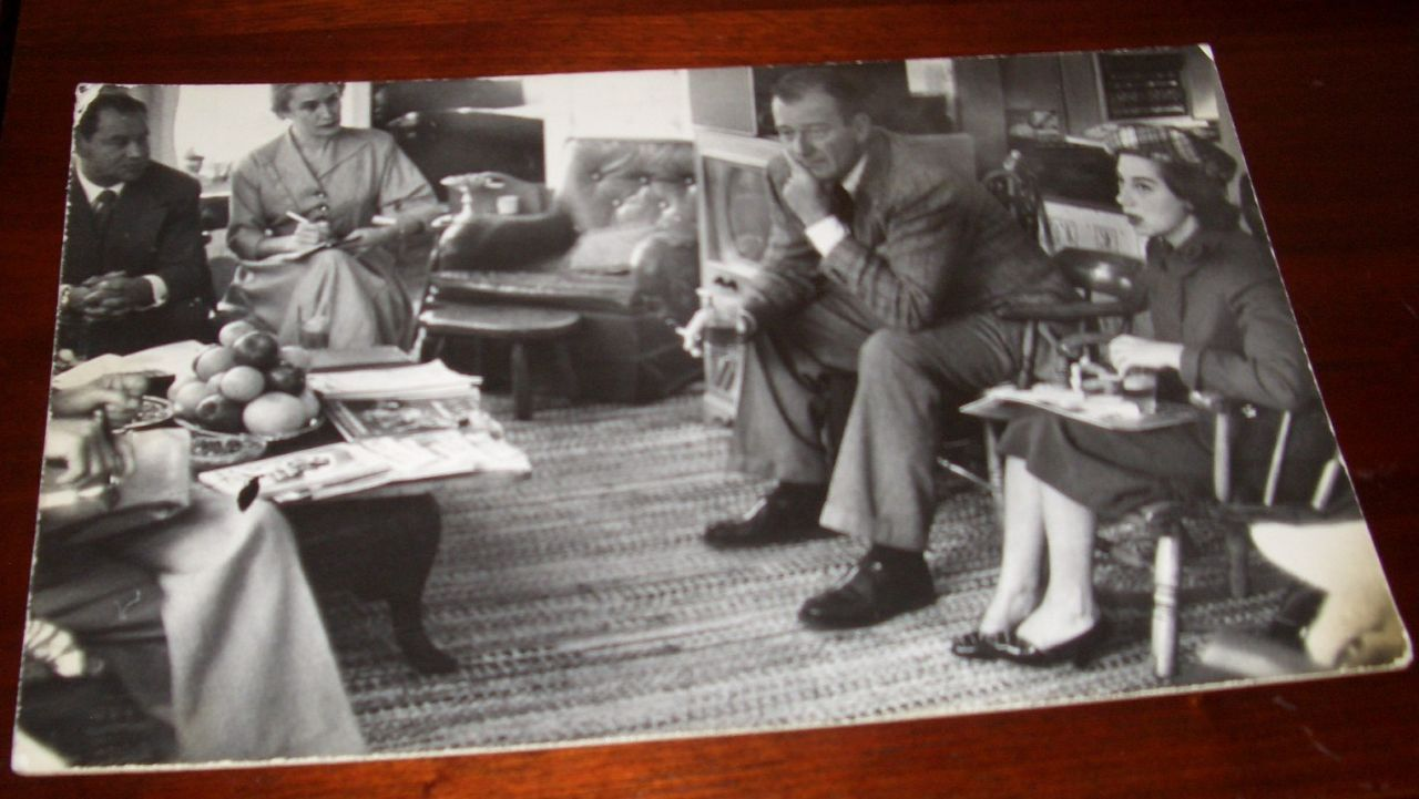 John Wayne Pilar Smoking Oversized 1950s Vintage photo
