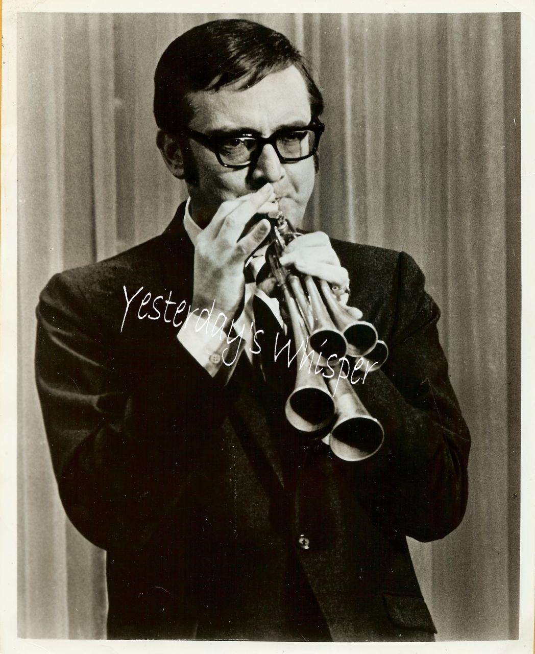 1960s Promo Photo Steve Allen multi horned instrument K383