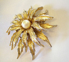 Capri Flower Dahlia Layered Petals Gold Plated Brooch Pin Pearl Signed V... - $19.75